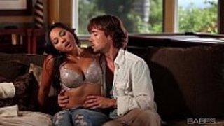 قبلات ساخنة العربية أنبوب الإباحية في Abdulaporno.com