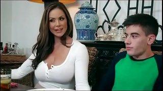 سكس امهات محرومة تتناك من ابنها فى المطبخ نيك نار Hd فيديو عربي