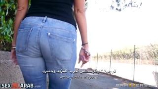 سكس مترجم الام تحمي ابنتها من النيك ج1 فيديو عربي