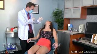 سكس في العيادة مترجم طبيب ألأسنان ألمنحرف فيديو عربي