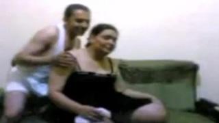 يروح لحماته البيت وينيكها جامد ويفشخها فيديو عربي